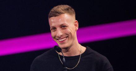 Der Comedian und Podcaster Felix Lobrecht gehört für die Zeitschrift «GQ» zu den «Männern des Jahres».