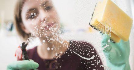 Weniger Reinigungsmittel reicht oft schon aus, um Schmutz zu entfernen.