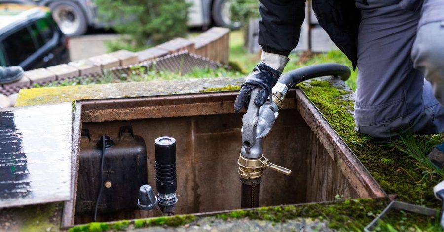 Das Heizöl geht meist in den Keller, dessen Preis hingegen nicht. Wer seinen Tank günstig befüllen möchte, könnte im Frühjahr oder Sommer bessere Karten haben.