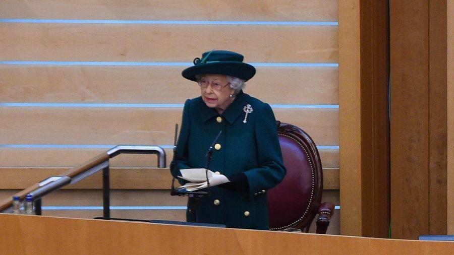 Queen Elizabeth II. während ihrer Rede vor dem schottischen Parlament. (dr/spot)
